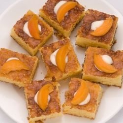 Arab Moist Syrup Cake with Milk