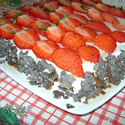 Biscotti Cake with Mascarpone, Chocolate and Strawberries