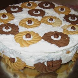 Cake with Round Biscuits