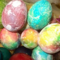 Dyed Eggs with Crystals