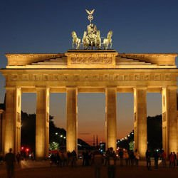 Burg Hardeg - Brandenburg Gate in Berlin