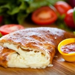 Calzone Pizza with Cheese