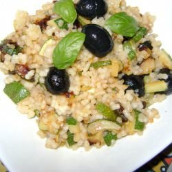 Aromatic Couscous with Zucchini and Olives