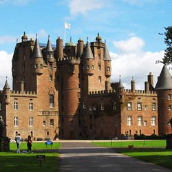 Sightseeing in Istanbul - Glamis Castle