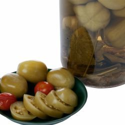Country Pickle with Green Tomatoes
