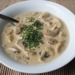 Béchamel Sauce with Processed Cheese and Mushrooms