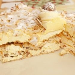 Puff Cake with Bananas