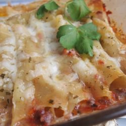 Cannelloni with Mince and Bechamel