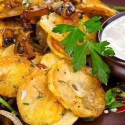 Baked Potatoes with Mushrooms and Blue Cheese