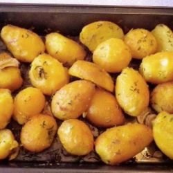 Baked Potatoes with Thyme and Lemon
