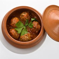 Meatballs in a Clay Pot