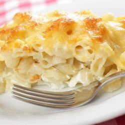 Macaroni with Feta Cheese and Mayonnaise