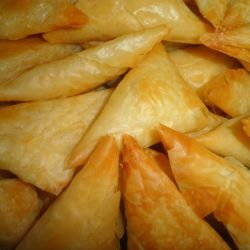 Small Triangular Phyllo Pastries