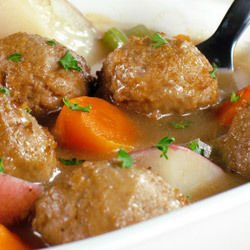 Meatballs in the Oven with Carrots and Onions