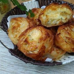 Mini Phyllo Pastries with Feta Cheese and Parsley