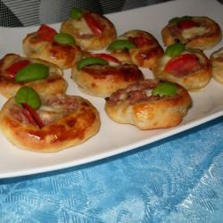 Mini Pizzas with Mozzarella