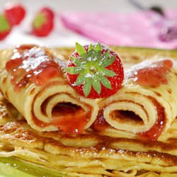 French Crepes with Strawberries