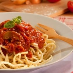 Pasta with Mushrooms and Tomato Sauce