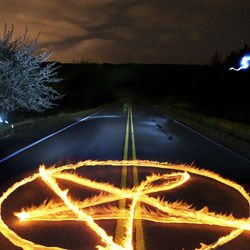 How do they Cast Magic with a Pentagram?