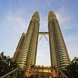 Online Travel Guide - Petronas Towers