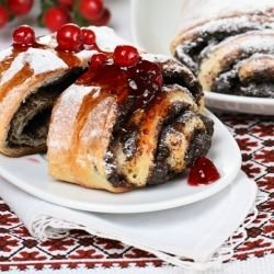 Panettone Roll with Jam
