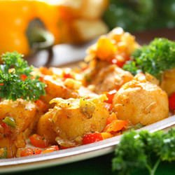 Potatoes with Tomato Sauce in the Oven
