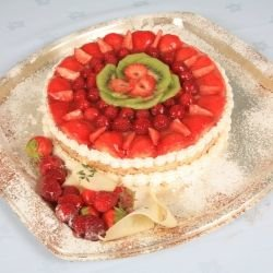 Cake with Jellied Fruit