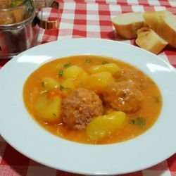 Country-Style Stew with Potatoes and Meatballs