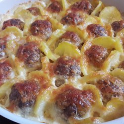 Nicely Arranged Meatballs with Potatoes and Cream