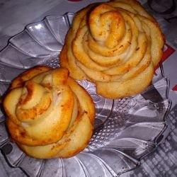 Rosettes with Ready-Made Dough