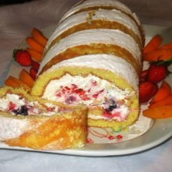 Sponge Cake Roll with Summer Fruits