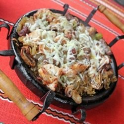 Chicken Clay Dish with Bacon and Mushrooms