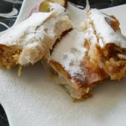Strudel with Apples and Ready-Made Sheets