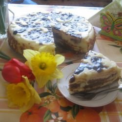 Easy Cake with Biscuits and Cream
