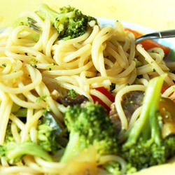 Spaghetti with Chicken and Broccoli