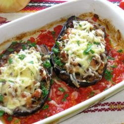 Stuffed Eggplants with Chicken and Vegetables