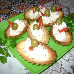Salty Tartlets with Cream Cheese and Olives