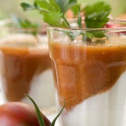 Vegetable Smoothie with Tomatoes and Cucumbers