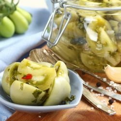 Green Tomatoes with Garlic
