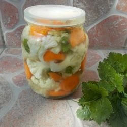 Cauliflower and Carrot Pickle