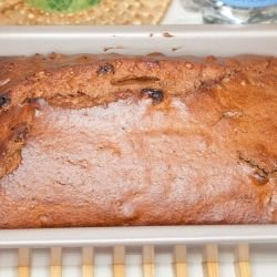 Cake with Walnuts and Raisins