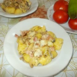 Casserole with Potatoes, Mushrooms, Ham and Cheese
