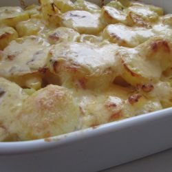 Tasty Casserole with Potatoes and Mince