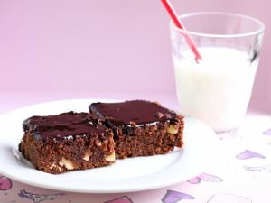 Chocolate Brownies with Hazelnuts