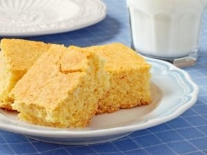 Economical Yoghurt Cake
