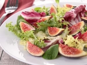 Leafy Greens with Fresh Figs