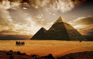 Who was it that actually built the pyramids?