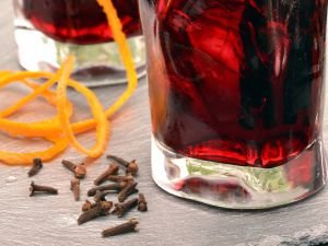 Drink with Cloves