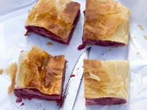 Pastry Pie with Morelo Cherries
