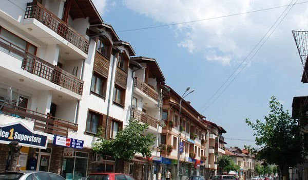 Hoteliers in Bansko Begin Frantic Renovations in the Hotel Complexes